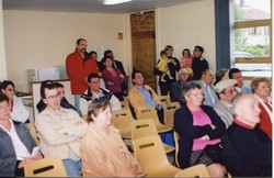 Vente à la bougie du presbytère avril 2002