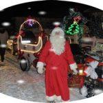 Le Père Noël a terminé sa visite en sillonnant les rues du village,